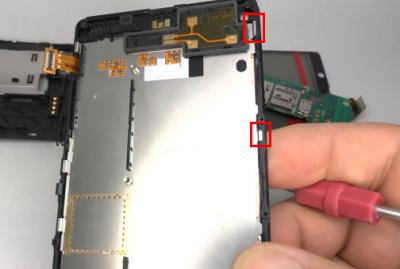 How to Repair a Cracked Nokia Lumia 820 Screen