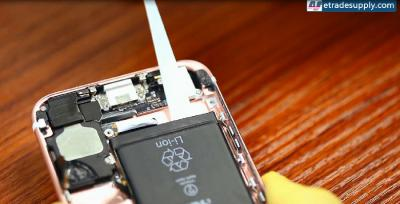 6 Steps to Replace an iPhone 6S' Battery in 5 Minutes