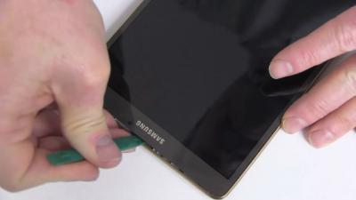 How to Replace The Samsung Galaxy Tab S 8.4 LTE's Battery