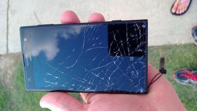 How to Take Apart the Nokia Lumia 1020