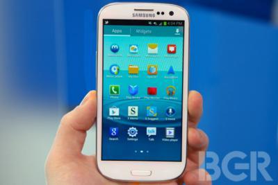 Smartphone Crown Of iPhone Was Stolen By Samsung Galaxy S III
