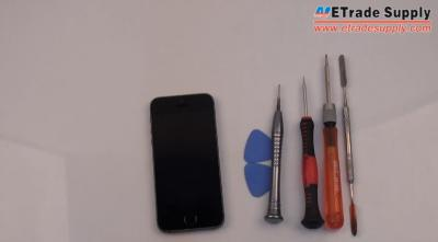 How to Replace the iPhone 5S Cracked Screen