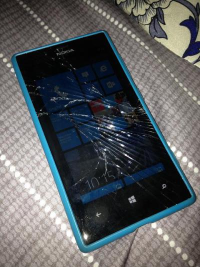 How to Repair the Cracked Nokia Lumia 720 Screen