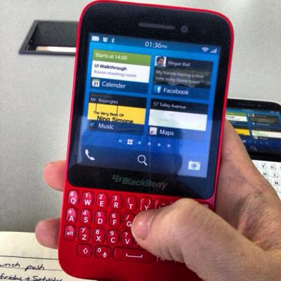 Red BlackBerry R10 Image Leaks out