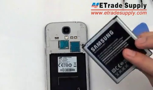 remove the galaxy s4 battery