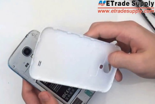 install the galaxy s4 battery and battery door
