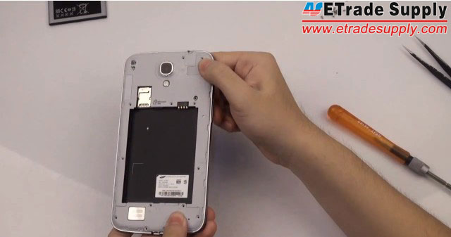 install-the-rear-housing for Galaxy Mega 6.3