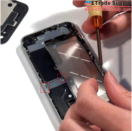 Install-a-metal-shield-of-iPhone-4