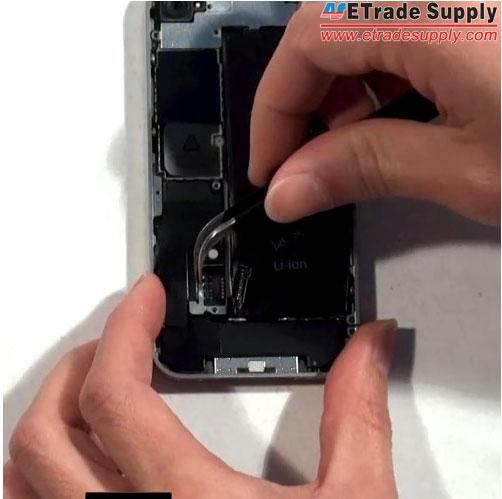Pick-out-another-metal-shield-of-iPhone-4