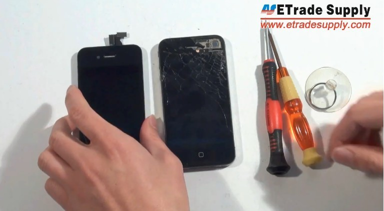 change iPhone 4 LCD assembly
