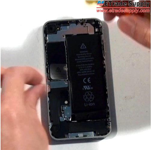 remove-iPhone-4-metal-shield