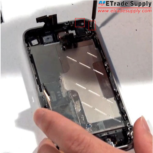remove-the-vibrating-motor-of-iPhone-4