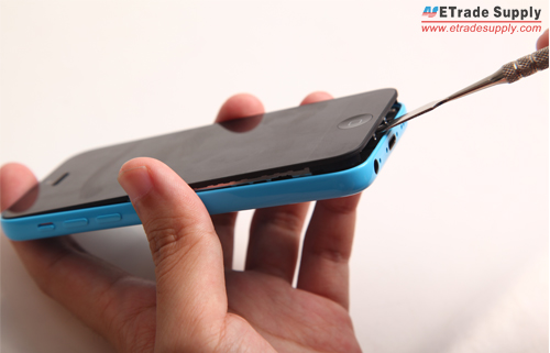 pry up the iPhone 5C LCD screen assembly