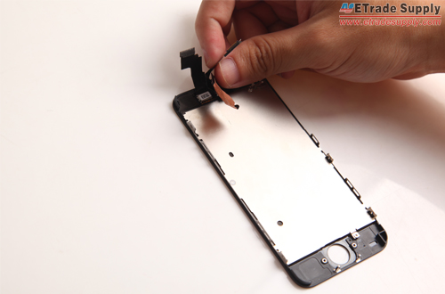 Remove the sensor cable with the front facing camera