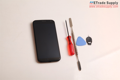 How to Take Apart the Moto X