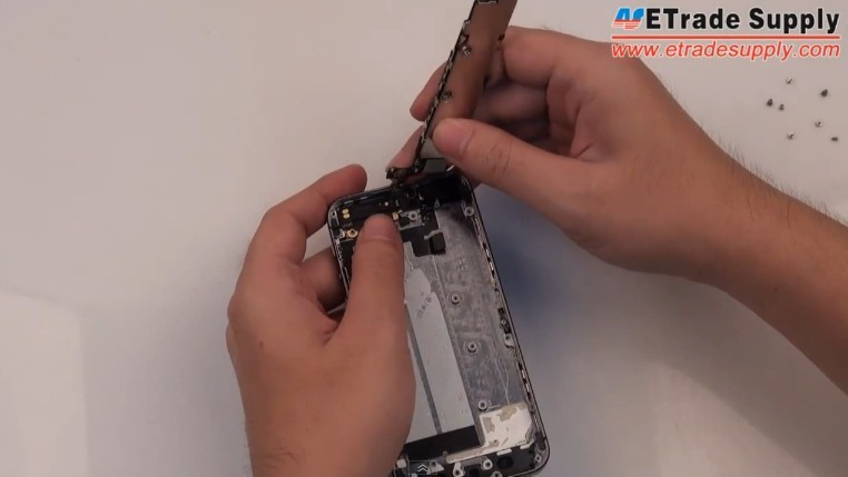 assemble iPhone 5S motherboard1