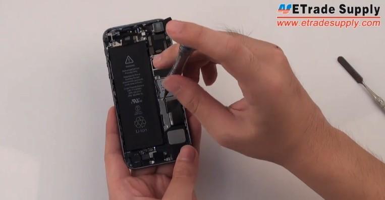 fasten iphone 5s retaining bracket