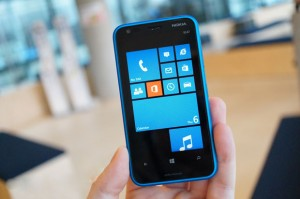 How to Repair Nokia Lumia 620 Damaged Screen