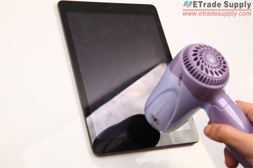 Use hair dryer to warm the iPad Air digitizer edge