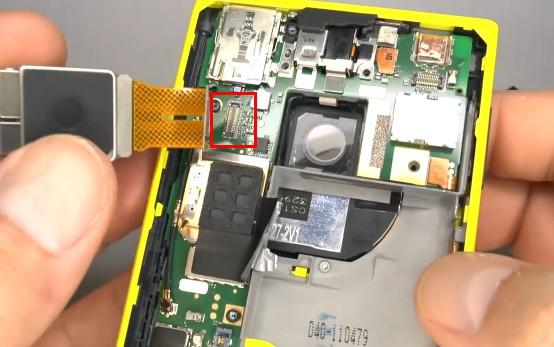 Nokia Lumia 1020 reassembly 7