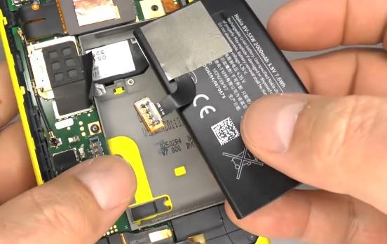 Nokia Lumia 1020 reassembly 9