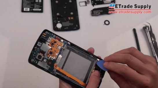 Disconnect the Nexus 5 display flex