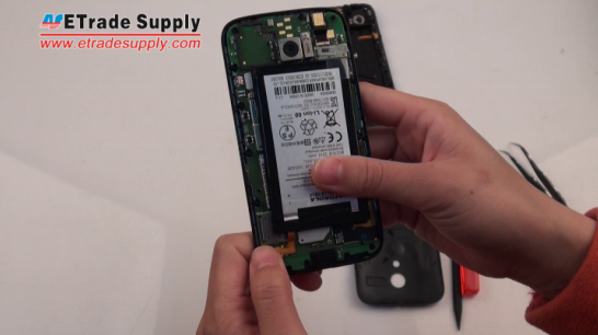 Install the Motorola Moto G battery