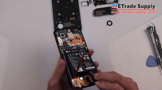 Lift the Nexus 5 battery