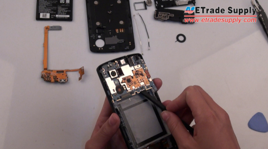 Remove the Nexus 5 mainboard