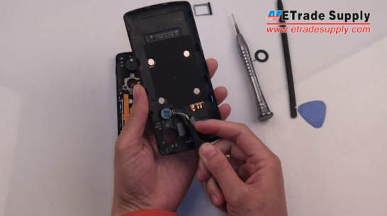 Remove the Nexus 5 vibrating motor