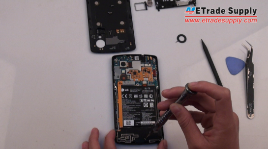 holding the Nexus 5 loud speaker module