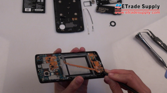 lift the Nexus 5 charging port flex cable