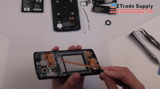 lift the Nexus 5 charging port flex cable