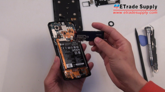 remove the Nexus 5 loud speaker module