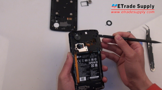 remove the Nexus 5 rear housing replacement part