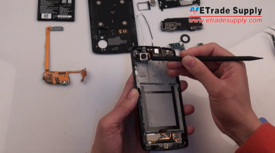 the 8MP rear-facing camera of Nexus 5