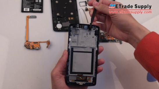 the Nexus 5 earphone jack