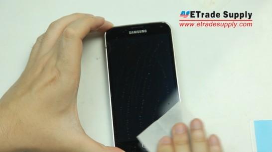 Clean the Galaxy S5 screen