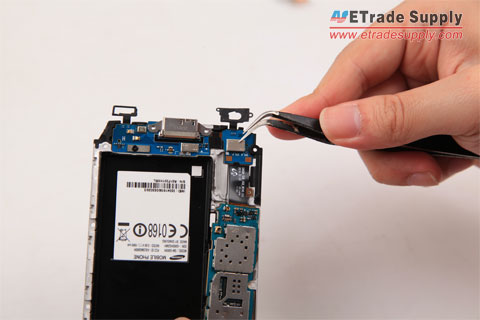 Disassemble the Galaxy S5 motherboard