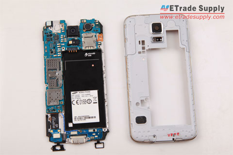 Galaxy-S5-rear-housing-is-removed