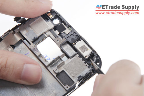 Remove-the-HTC-One-M8-ear-speaker