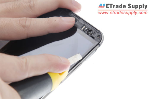 https://www.etradesupply.com/blog/wp-content/uploads/2014/05/Separate-the-M8-screen-with-cutter-knife.jpg
