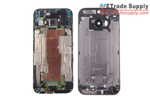 The-HTC-One-M8-LCD-screen-assembly-and-rear-housing-are-separated