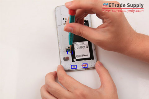 Unscrew-Galaxy-S5-3-pcs-screws
