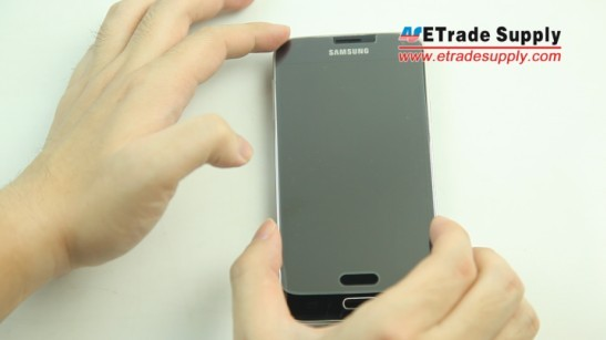 align the Galxy S5 screen protector to the display