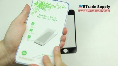 iPhone 5S tempered glass screen protector package