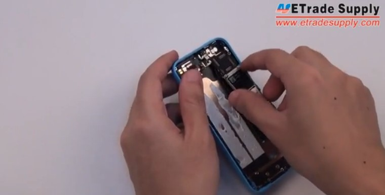 Put the iPhone 5C motherboard