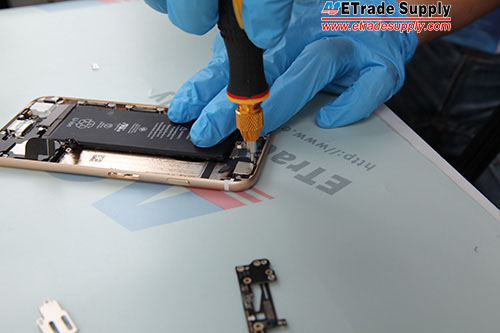 Fasten the cover with 2 screws