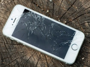 How to Repair A Cracked iPhone Screen