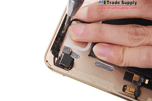 17.Undo 2 screws in the side key bracket